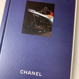 Chanel cruise collection 2018/19 book